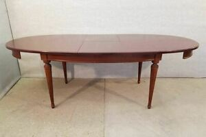 Vintage Mahogany Extending Oval Dining Table With Butterfly Leaves