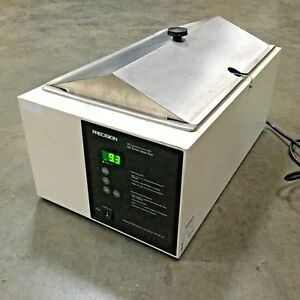 Precision Microprocessor Controlled Water Bath Model 285 115v 600w Powers On