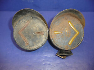 Pair Of Vintage Arrow Safety Device Double Hooded Sided Turn Signals Ct34