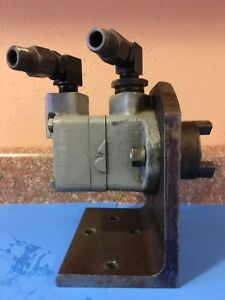 Vickers Vane Pump Sperry Rand See Pump Info Pic s 8 10 With Mounting Bracket