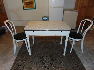 Vintage Table Porcelain Stenciled Top Wood Base With Drawer 2 Chairs Inc