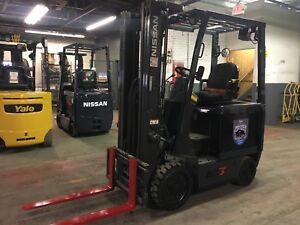 2014 Nissan 4000 Lb Electric Forklift With Side Shift And Triple Mast