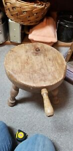 Vintage Country Wooden Amish Milking Stool With Handle Wood Barn Milk Chair