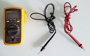 Fluke Meter With Leads 111 Series Tested Free Shipping