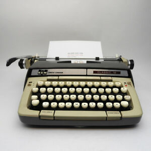 Ukrainian Language Smith Corona Manual Typewriter Classic 12 Usa Made 1960s 70s
