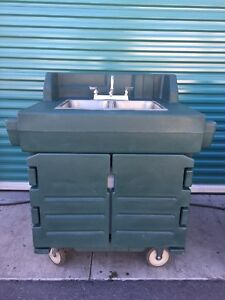 Cambro Ksc402 Kiosk Hand Sink Wash Cart Hot Cold Water Portable Station