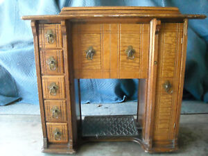 Antique Singer Treadle Sewing Machine Cabinet Tiger Oak