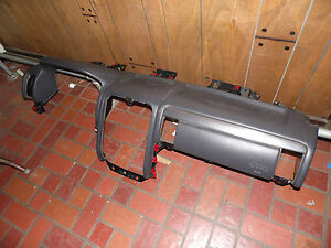 01 Jeep Grand Cherokee Agate Upper Dashboard Shelf Cover Assembly W center Bezel
