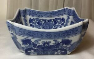 Chinese Hand Painted Blue And White Porcelain Square Bowl
