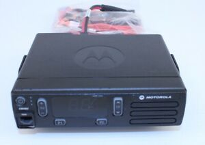 Motorola Cm200d Vhf Analog Mobile Radio W Bracket And Power Cable Aam01jnc1an