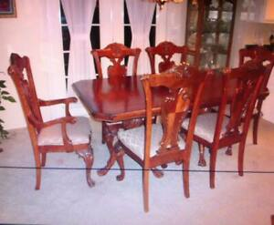 Jaclyn Smith Table China Hutch Furniture Make Offer