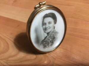 Vintage Oval Brass Picture Frame