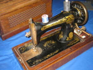 Antique Singer Manual Sewing Machine Serial 1343900 Wood Case Early 1900