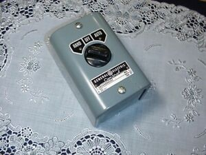 General Electric Cr2940na101 D Control Station 3 Position Switch Hand off auto