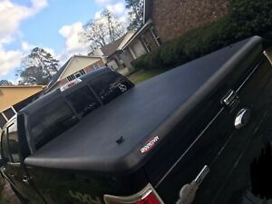Undercover Classic Truck Bed Cover black Size 5 7 Fits 2010 F150