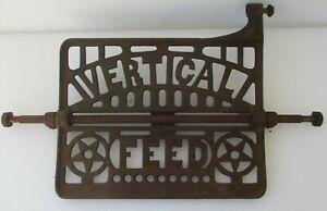 Davis Vertical Feed Sewing Machine Cast Iron Foot Pedal W Connecting Rod