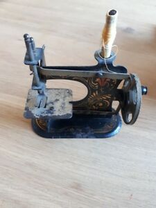 Very Small Antique Casige Germany Miniature Toy Metal Child S Sewing Machine