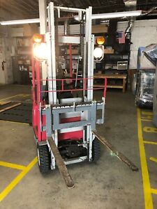 Compact 2003 Toyota 1100lb Electric Forklift