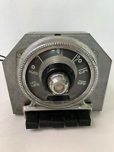 Vintage 1950 s Ford Fomoco Pushbuton Am Tube Car Radio Model 5bf 654860