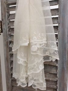 An Antique French Tambour Lace Oval Wedding Veil C 1920 64 X 80 Lovely