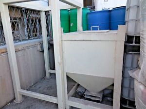 40 X 40 X 138 Material Silo Process Tower Mixer Loader Mixing Cement Hopper