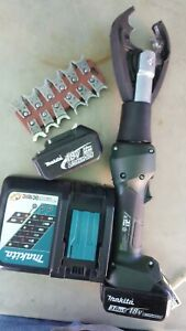 Greenlee Gator Ek425lx Hydraulic 6 Ton Crimper Tool With W Dies And Batteries