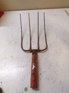 Old 4 Tine Hay Fork Farm Pitchfork Head Only Lot A
