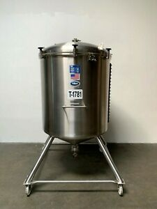 T c 1000 Liter Stainless Steel Cone Bottom Tank W Center Drain Valve
