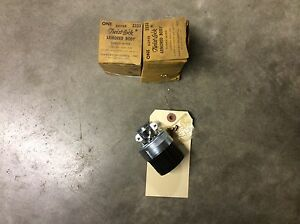 Hubbell 3333 Twist lock Armored Body Three wire 30a 250v Lot Of 2