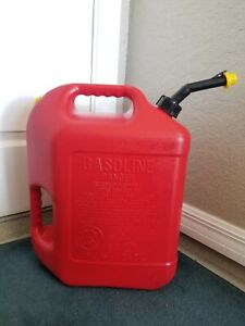 Blitz 6 Gallon Plastic Gas Gasoline Can With Spout Vented And Yellow Cap