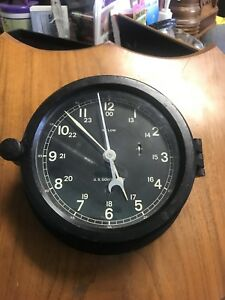 Military Wwii Us Navy Max Low Ships Clock Serial A2402 65 Runs Well W Key