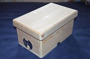 Nucleus Of 4 Frames Small Wooden Hive Designed For The Cultivation Bees Queens