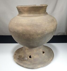 Korean Silla Dynasty Pottery Stoneware 10 Footed Pot 55402