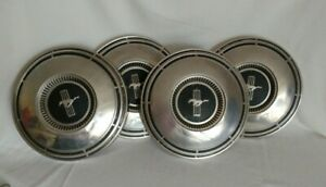 Mustang Hubcaps Set Of Four Dog Dish Style