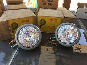 Pair Nos Yankee 98 Tractor Lights 1940 s 50 s Car Truck Sedan Auto Machine Old