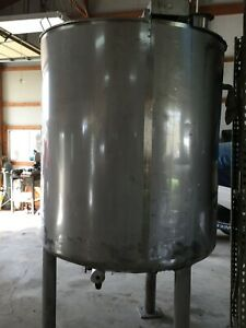 Stainless Steel 650 Gallon Jacketed Mixing Tank Used