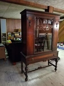 Vintage China Wood Curio Cabinet Local Pick Up Only