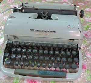 Remington Typewriter Rand Quiet Riter Miracle Tab Great Britain Working C1956