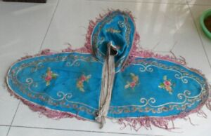 Chinese Old Hand Embroidery Flower Silk Shawl