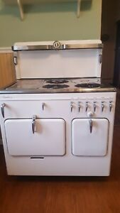 Vintage Gas Stove 1941 Chambers In Good Condition