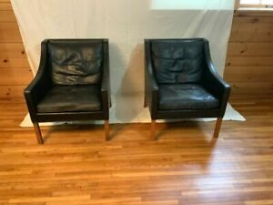 Danish Mid Century Modern Borge Mogensen 2207 Black Leather Club Chairs Pair