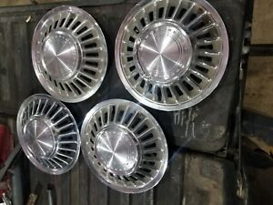 1967 67 1968 68 Ford Thunderbird Hubcap Rim Wheel Cover Hub Caps 15 Oem Used