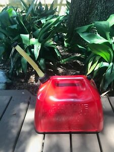 Vintage Gott rubbermaid 5 Gallon Red Vented Plastic Gas Can Jug Model 1251 Vent