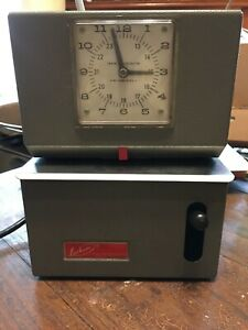 Lathem Industrial Time Clock Punch Card Recorder Nice No Key