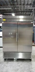 True Manufacturing T 49 Reach in 2 section Refrigerator