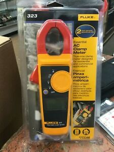 Fluke 323 True Rms Essential Ac Clamp Meter 772346