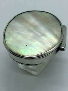 C1720 40 Early 18th Century Georgian Solid Silver Mother Of Pearl Snuff Box