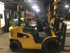 2013 Cat 4000 Lb Solid Pneumatic Forklift With Side Shift And Triple Mast