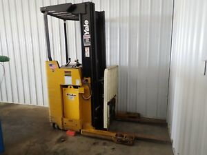 Yale Electric Forklift 3 500 Pound Capacity