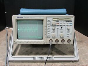 Working Tektronix Tds 460a Four Channel Digitizing Oscilloscope With Power Cord